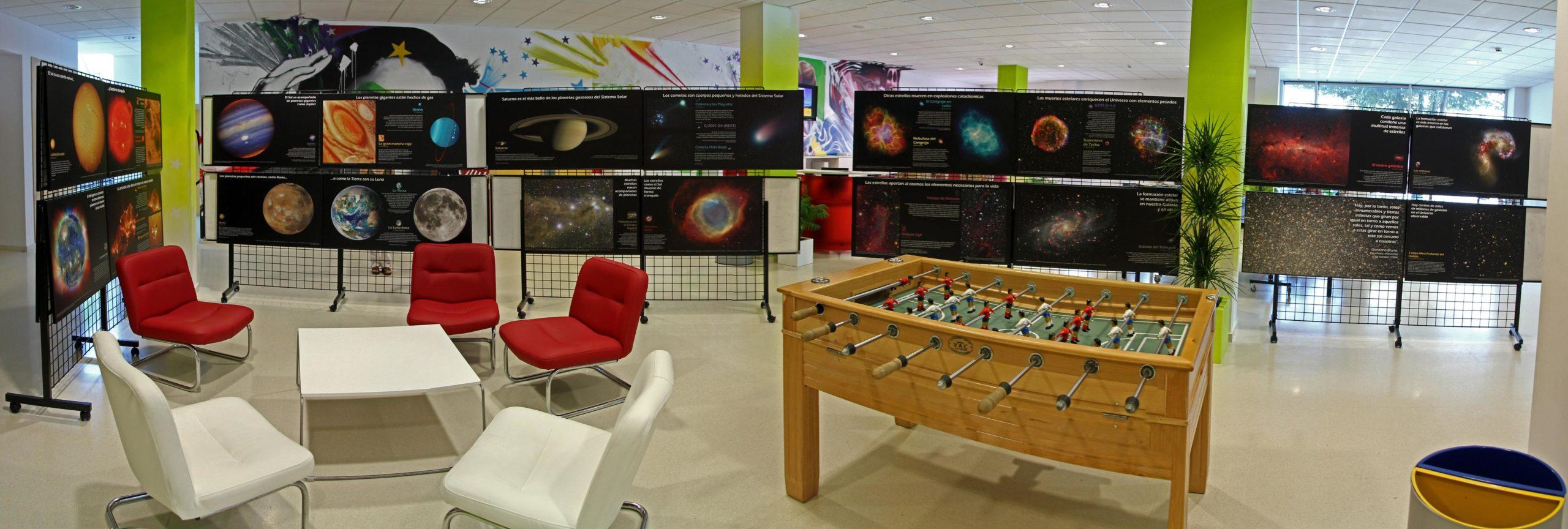 """Exposición Astronómica """"De la Tierra al Universo"""" - AstroAlcalá 2011"""